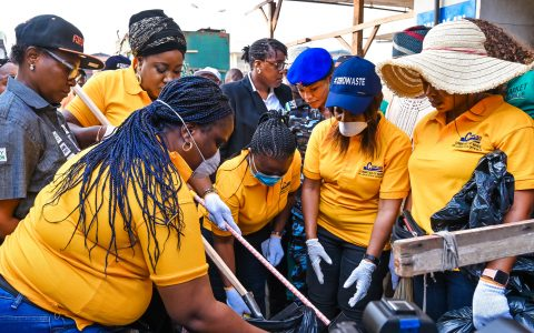 Members of the Committee of Wives of Lagos State Officials (COWLSO) led by the First Lady, Dr. (Mrs.) Ibijoke Sanwo-Olu during sanitation exercise at Tejuosho Ultra Modern Market on Thursday, 4th March, 2020.