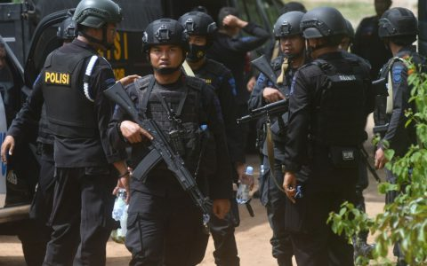 Indonesia Detains British Woman
