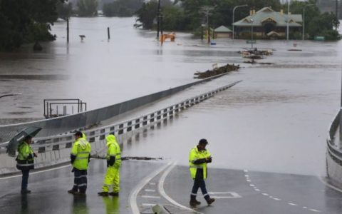 Australia Witness Heavy Down Pour, Thousands Evacuated