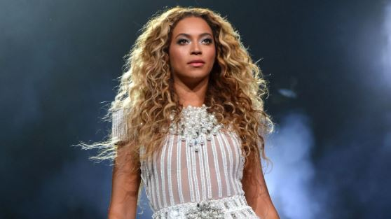 Beyonce Pays Tribute To Late Fan